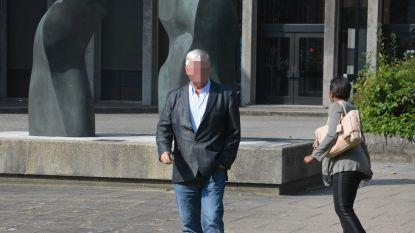 """Voormalige afvalbaron uit Knokke riskeert opnieuw jaar cel voor sociale dumping: """"Ondanks tienjarig beroepsverbod richtte hij postbusfirma in Roemenië op"""""""