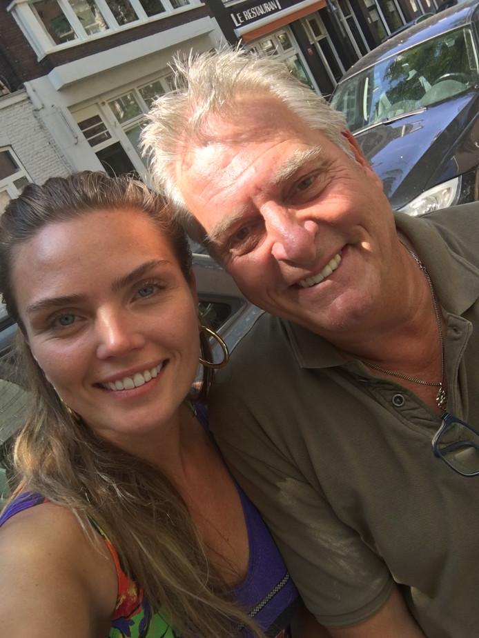 Apeldoorner Mark Vos met Kim Feenstra. Zij is ambassadrice geworden van zijn Stichting Dierenhulp.