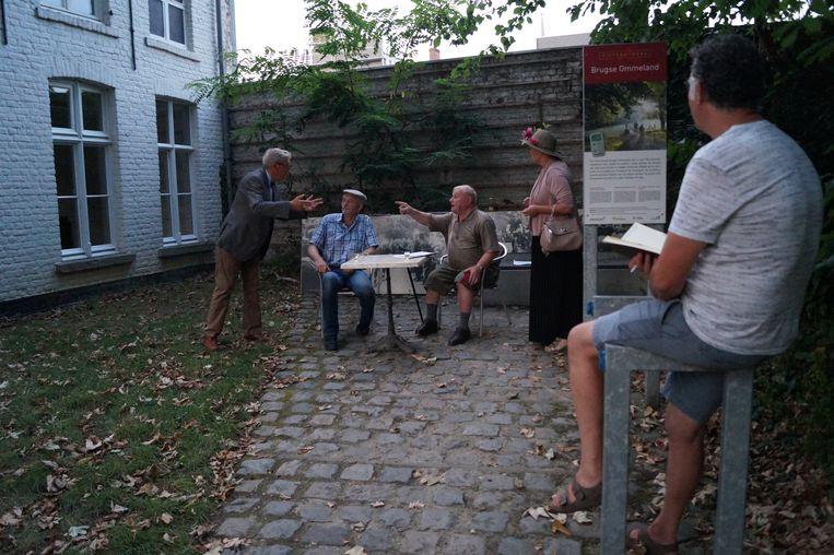 Tielt Vanessentens - Regisseur Stefaan De Cloet houdt een oogje in het zeil tijdens de repetities