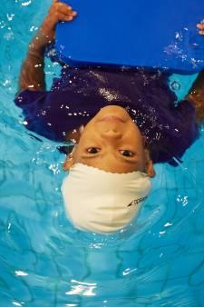 Tien Sliedrechtse kinderen haalden vorig jaar een zwemdiploma met geld van de gemeente