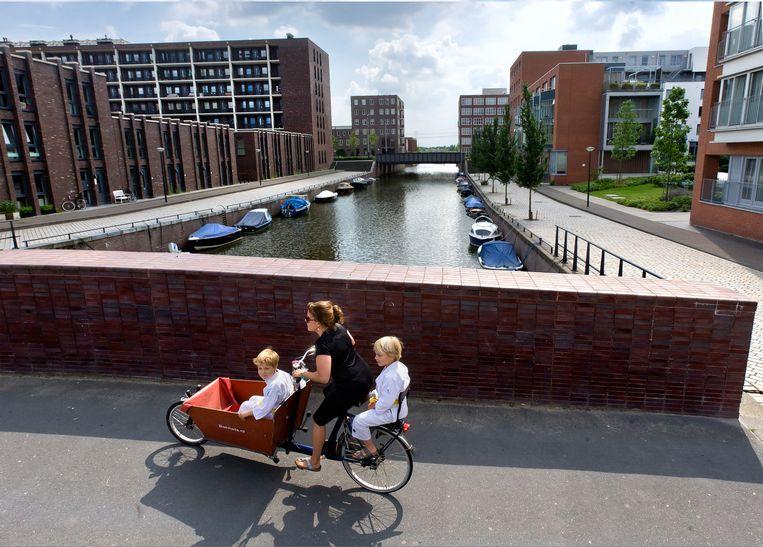 Nieuwbouwwijk IJburg, een woonwijk in het oosten van de gemeente Amsterdam. In Amsterdam is nog maar één op de drie jongeren onder de vijftien van Nederlandse afkomst. Beeld David Rozing / Hollandse Hoogte