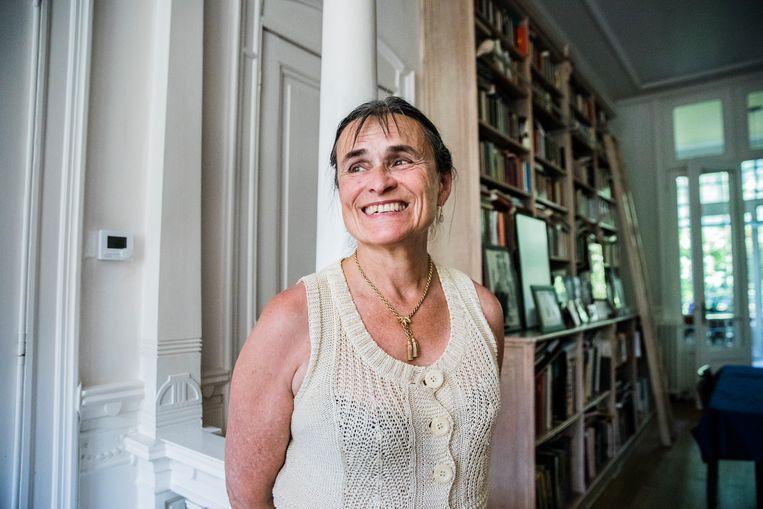 Kristien Hemmerechts:  'Ik ben een beetje bourgondisch. In Nederland vind ik het soms beklemmend hoe netjes alles geregeld is.'  Beeld Aurélie Geurts