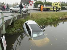 Extra controle voor brugleuning waar auto doorheen reed in Wapenveld