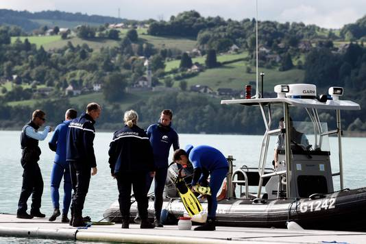 Gisteren braken duikers hun speurtocht af in Aiguebelette-le-Lac.
