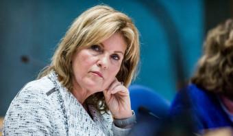 Senatoren: Stem de donordwang van Pia Dijkstra weg
