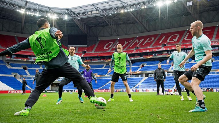 Ajax traint in Lyon. Beeld anp