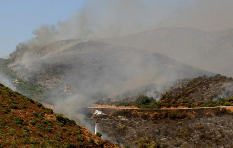 De bosbranden in Sardinië blijven aanhouden.