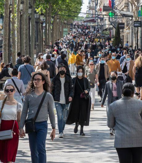 Er wordt weer geflaneerd over de Champs-Élysées: Europa mag naar buiten<br>