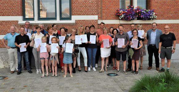 De Start-to-Runners ontvangen hun diploma.