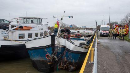 Zinkend schip op Schelde gered na 14 uur pompen