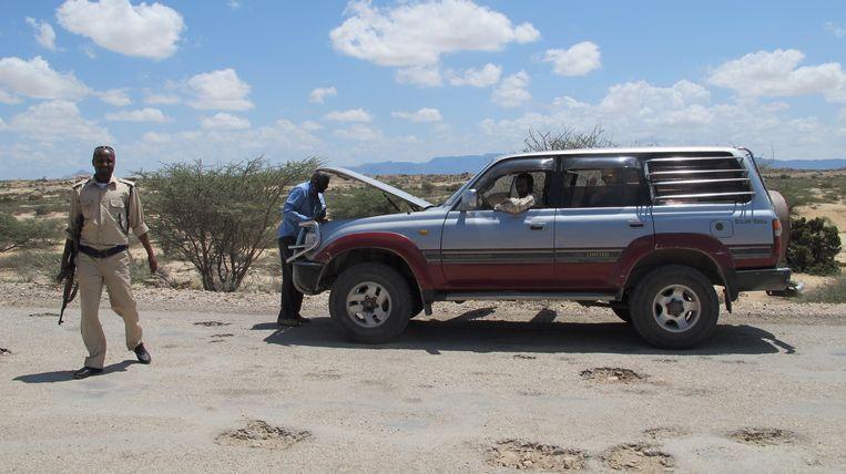 Een stop onderweg in Somaliland. Beeld Iris Hannema
