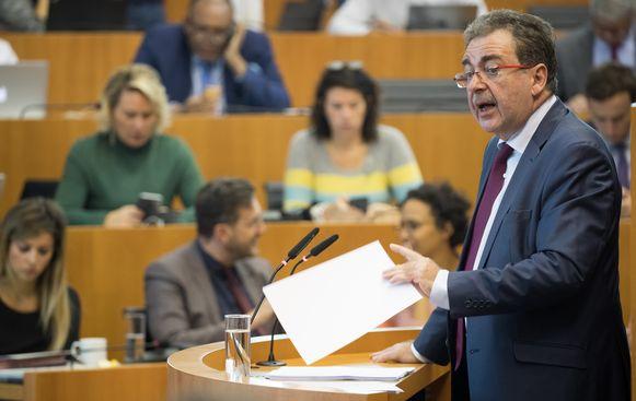 Minister-President Rudi Vervoort in het Brussels parlement.
