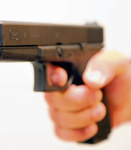 Politie pakt 17-jarige voor beroving met vuurwapen in Apeldoorn
