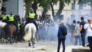 """Extreemrechtse demonstranten die standbeelden willen """"beschermen"""" slaags met politie in centrum Londen"""