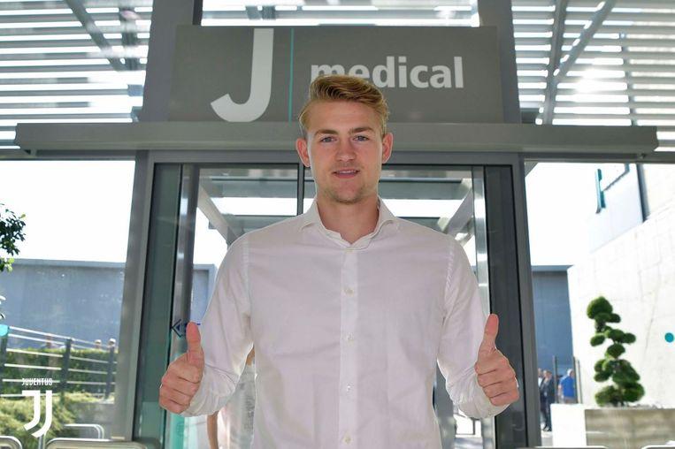 Matthijs de Ligt legt op dit moment zijn medische tests af bij Juventus.