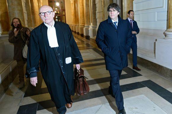 Carles Puigdemont  en zijn advocaat Paul Bekaert.