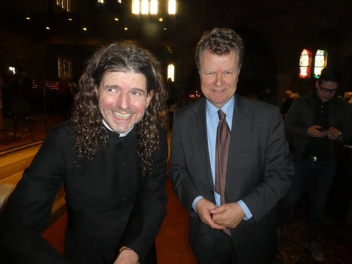 Pierre Valkering op zijn boekpresentatie met oud-politicus Boris Dittrich.