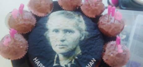 Elle demande un gâteau à l'effigie de Mariah Carey et en reçoit un avec Marie Curie