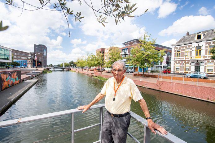 Harry Koop van Historisch Informatie Punt: door het water was Almelo ooit groter dan Enschede.