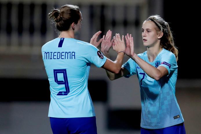 Katja Snoeijs komt tegen Turkije in het veld voor Vivianne Miedema.