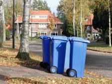 Blauwe container in Olst-Wijhe van de baan