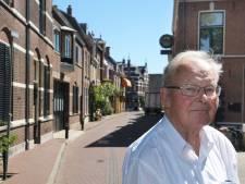 Hans schreef 53 jaar geleden een boek over het Betuws tramlijntje en doet dat nu 'gewoon' weer