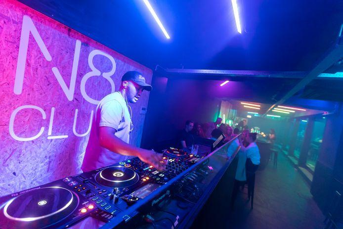 N8club, een nieuwe kroeg annex discotheek in Helmond.