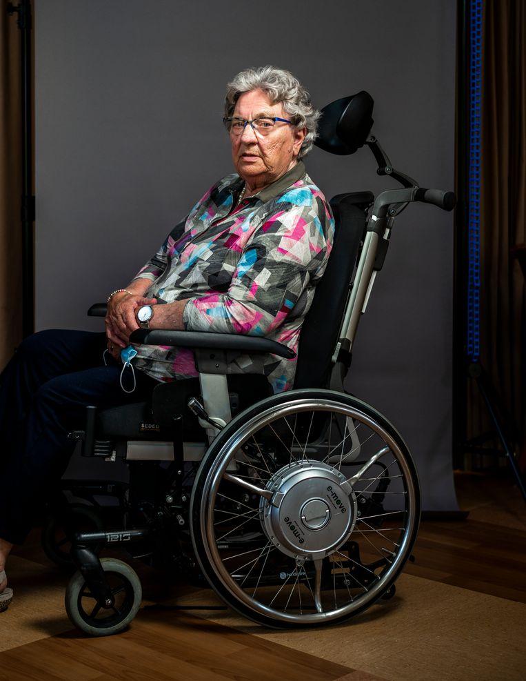 Bewoonster Bertha Nijmeijer: 'Soms kwamen er wel vier wagens op een dag langs. Dat moet je dan alleen zien te verwerken.' Beeld Jiri Büller
