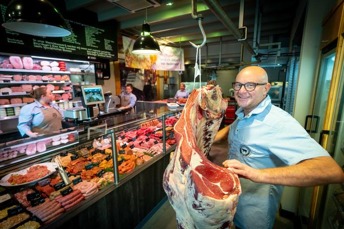 De Vleeschhouwerij van Cees van den Berg in Zetten is gekozen tot 'de leukste slagerij van Nederland'.