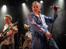Raggende Manne ondanks ziekte frontman op Klomppop: 'Adrenaline houdt me staande'