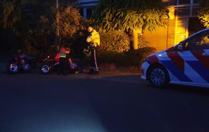 De jongeman reed vanaf de Spoorlaan de Industrieweg in Groesbeek op en raakte de macht over het stuur kwijt.