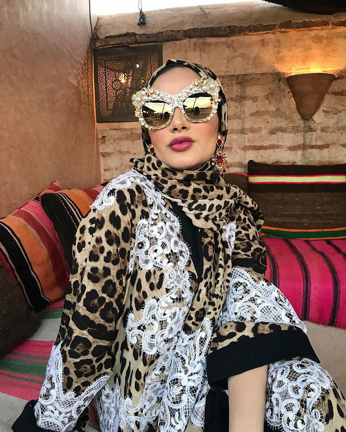 Dolce & Gabbana moslim model Ruba Zai.