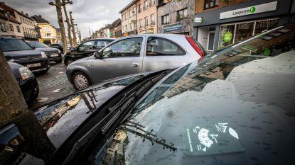 """Van 15 naar 30 minuten gratis parkeren op Pauwengraaf: """"Nu moet klant niet meer naar wagen spurten"""""""