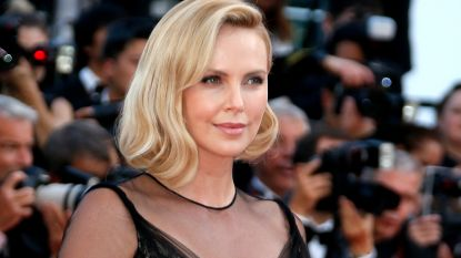 Charlize Theron is stem van Morticia in animatiefilm van 'The Addams Family'