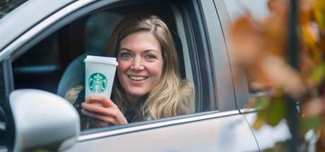 Geen hamburger maar koffie bestellen vanuit de auto: Starbucks opent twee drive-thru's in ons land