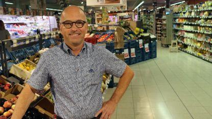 """Jan Van de Peer neemt na 30 jaar afscheid van zijn supermarkt: """"Goed personeel zoals het onze is goud waard"""""""