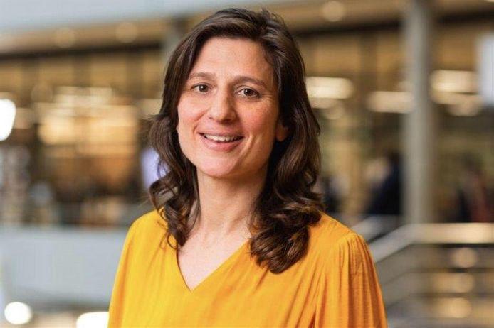 Dr. Katja Rusinovic, onderzoeker op de Haagse Hogeschool, ontdekte dat vooral jonge mensen extra stress en angst hebben over hun leven en toekomst door corona.