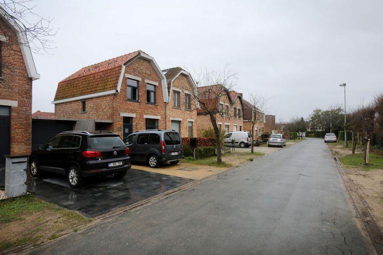 Bij de meeste bewoners, zoals bij Lieven Geerardyn, is het glas van een schuifraam stukgeslagen.