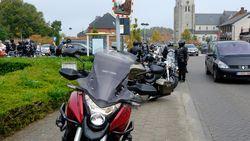 Honderden motards nemen afscheid van cafébaas