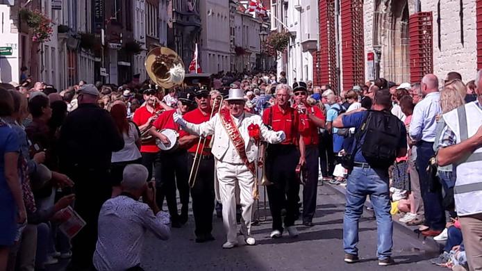 Brandaris, een Bergs jazzorkest, met Het leven is goed in m'n Brabantse land.