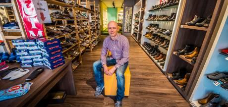Molenveld Schoenen uit Hengelo stopt na 90 jaar: 'Niet blijven aanmodderen'