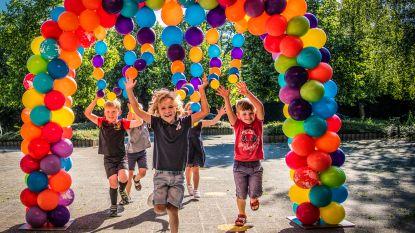 Ballonnen, lolly's en ijsjes als welkom voor kleuters Kraaiennest
