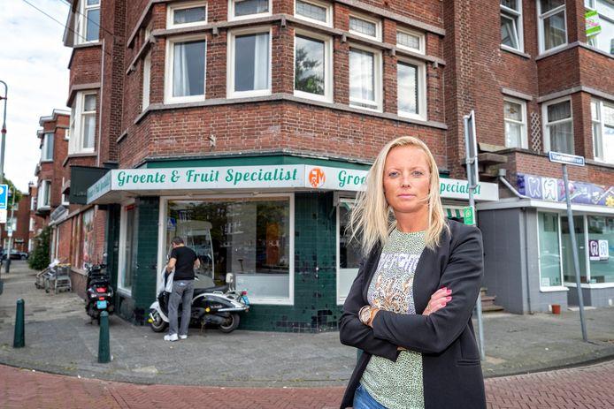 """Buurtbewoonster Suzanne Pije vermoedde al dat het bij de Groente en Fruit Specialist niet helemaal zuivere koffie was. ,,Maar ik dacht eerder aan wiet."""""""