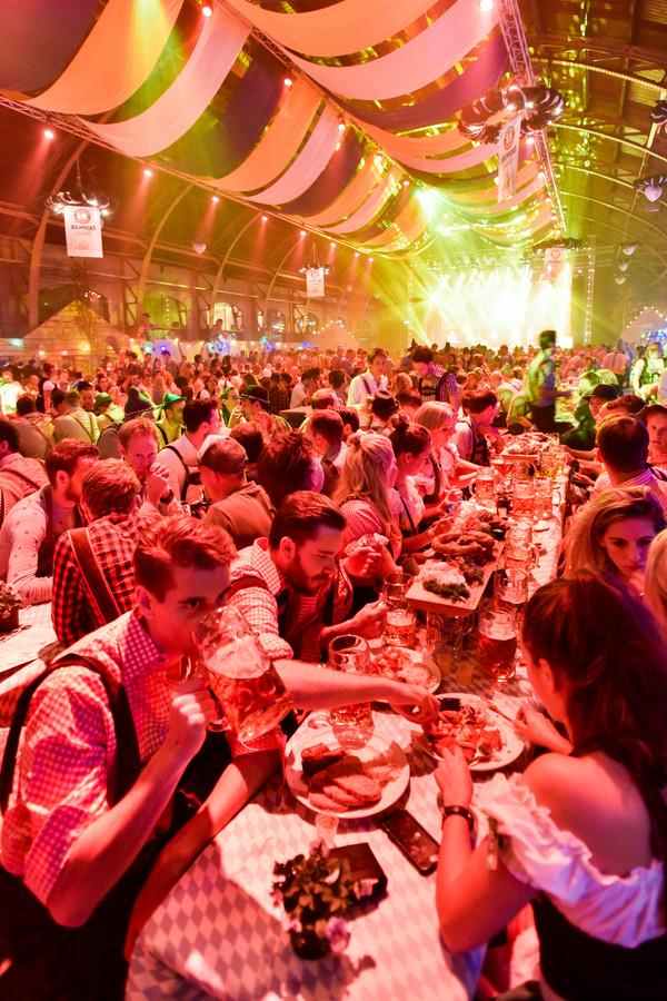 Oktoberfest in de Koepelhal in Den Bosch