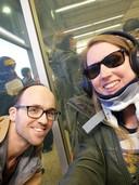 Saskia Oskamp, juf Saskia uit Amersfoort, met haar partner Olaf de Leeuw tijdens haar reis naar Barcelona.