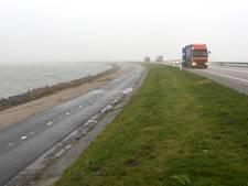 Markerwaarddijk tussen Lelystad en Enkhuizen dicht