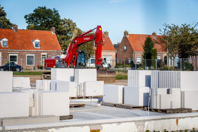 In Sint Jansklooster is de woningbouw aan de Bonkenhaveweg en Van Isselmudenstraat in volle gang