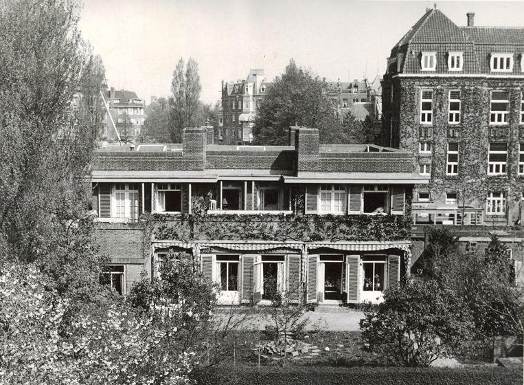 Niet gedateerde foto van de achterzijde van de rectorswoning van Het Amsterdams Lyceum.  Beeld Archief Amsterdams Lyceum