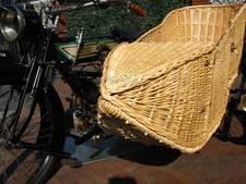 Motor met gevlochten zijspan trekt veel bekijks in Volkel