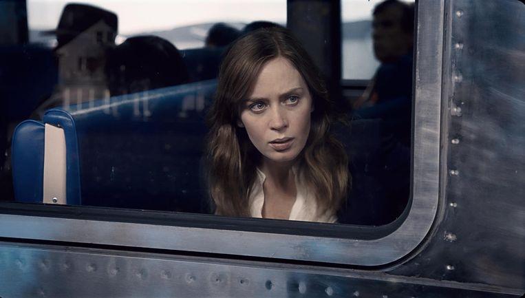 Beeld uit de verfilming van Girl on the Train met actrice Emily Blunt. Beeld